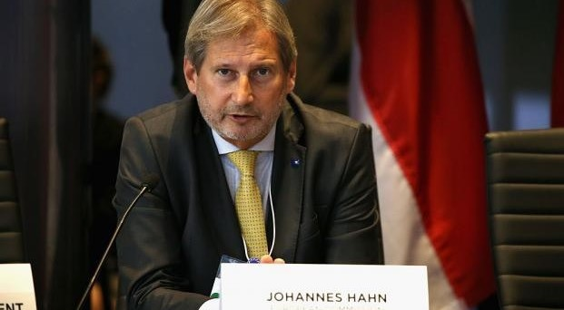 After Mogherini, also Hahn against Kosovo's 100% tax on Serbia