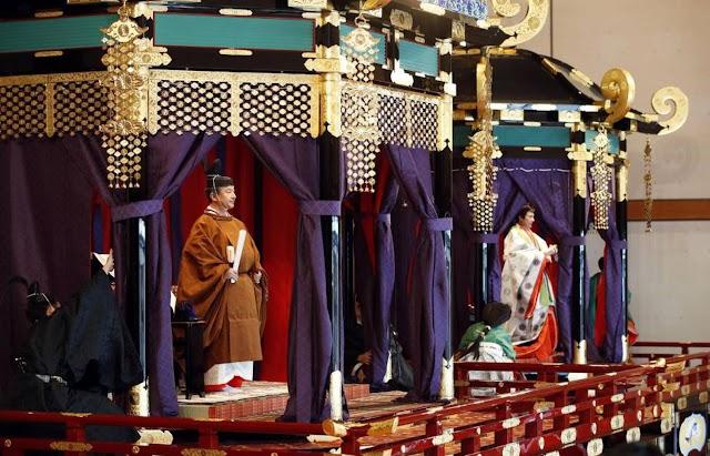 Japão entroniza o imperador Naruhito