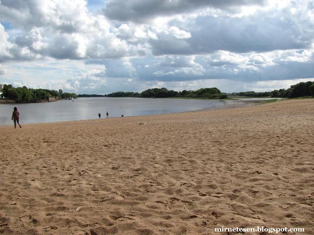 Великий Новгород - пляж на реке Волхов