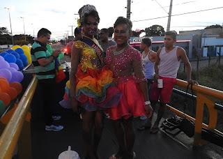 Contra o preconceito, milhares participam da Parada LGBT em Roraima