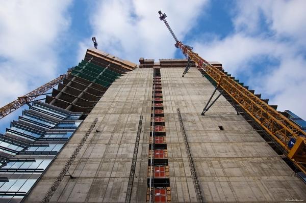 torre gioia 22-green concrete