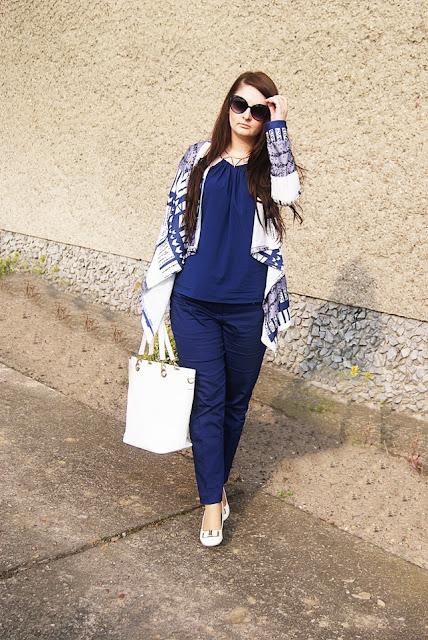 http://marcelka-fashion.blogspot.com/2016/04/29-stylizacja-do-pracy-z-granatowymi.html