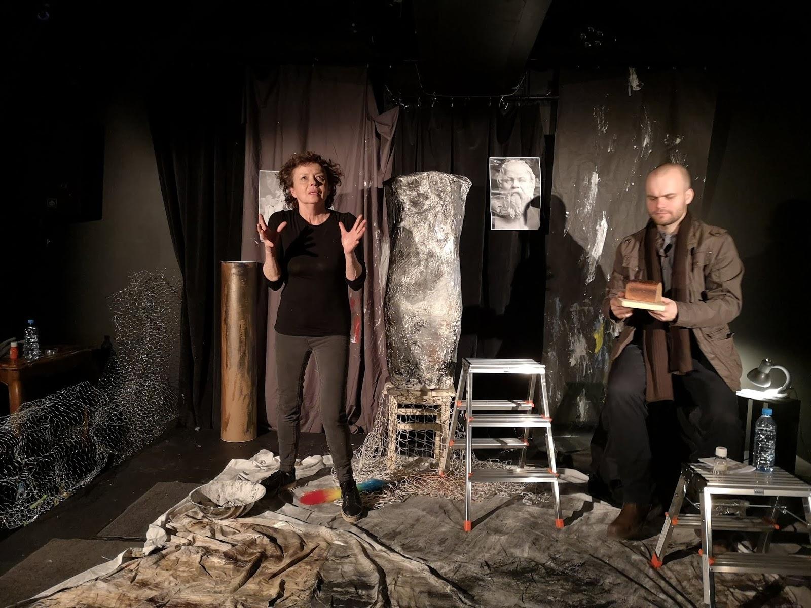 """2faf5ffbf05b1d Dziwny ten """"Sokrates"""" w Teatrze Na Dole. Maleńka scena, tylko dwoje  aktorów, na dodatek Joanna Szczepkowska sama napisała, sama wyreżyserowała,  ..."""