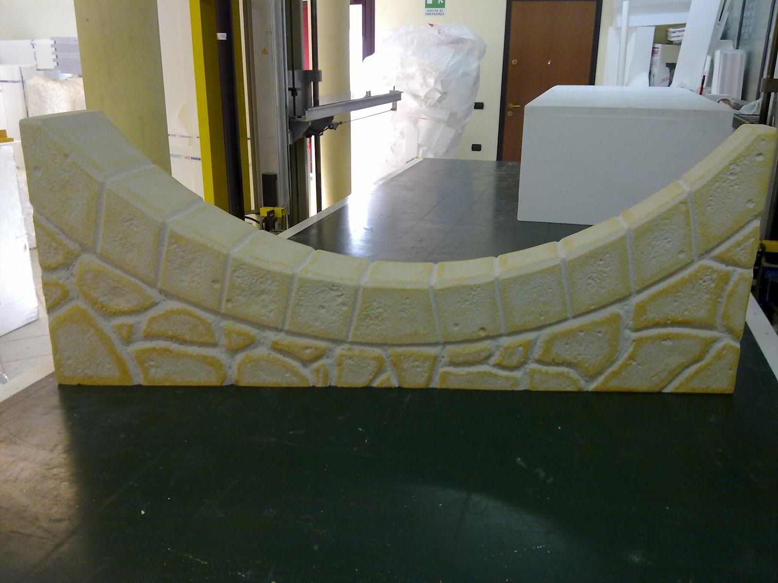 Poliemme sagome in polistirolo espanso finta pietra for Pannelli decorativi polistirolo finta pietra