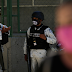 Polémica en México por una foto de miembros de la Guardia Nacional comiendo con presuntos delincuentes