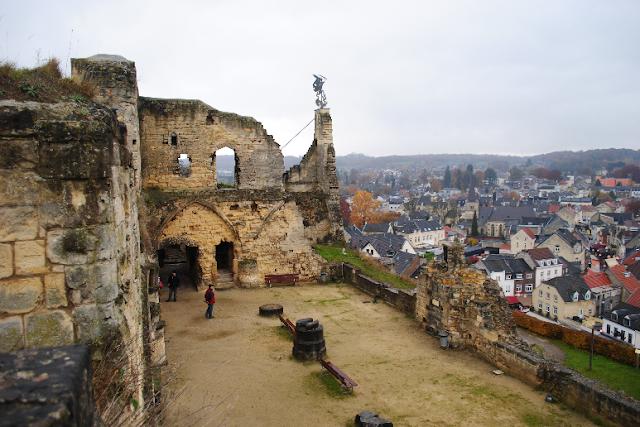 Castelo Valkenburg na Holanda