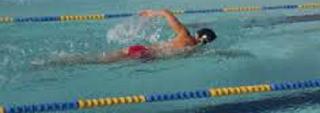 Dik13 Nadando e Relaxando