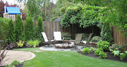 Patio Ideas for Small Backyard of Suburbs House
