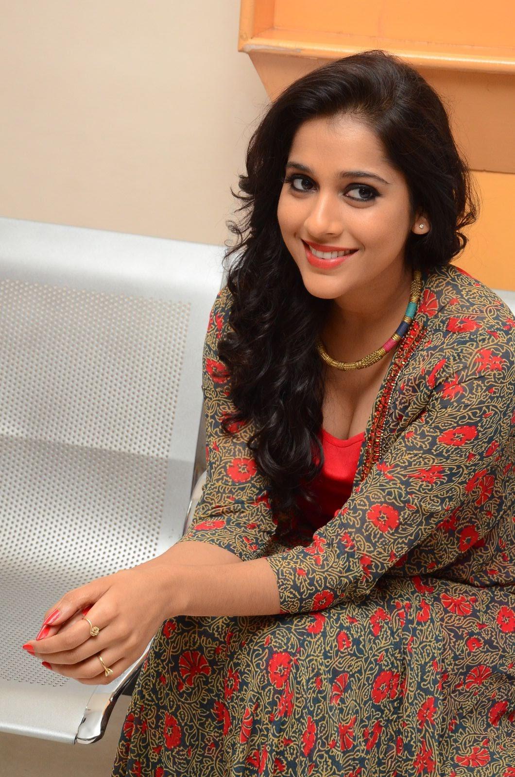rashmi gautam new sizzling in red-HQ-Photo-8