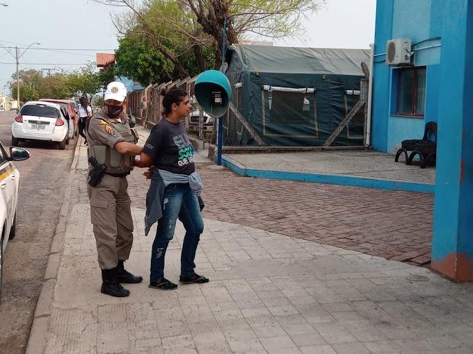 Após tentar furtar idoso, mulher é presa pela Brigada Militar
