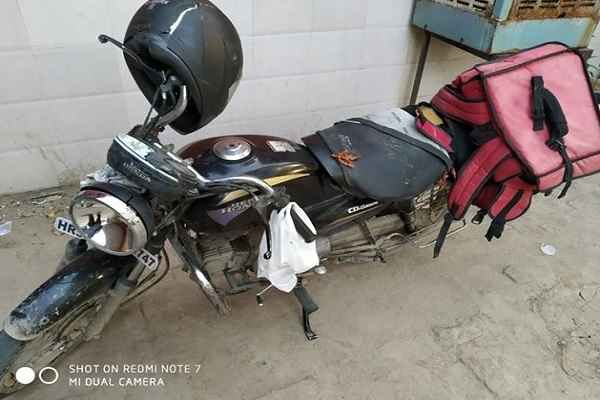 zomato-delivery-boy-accident-truck-death-in-faridabad-sector-11-d