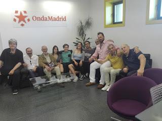 Actuación en Onda Madrid, con todo el equipo
