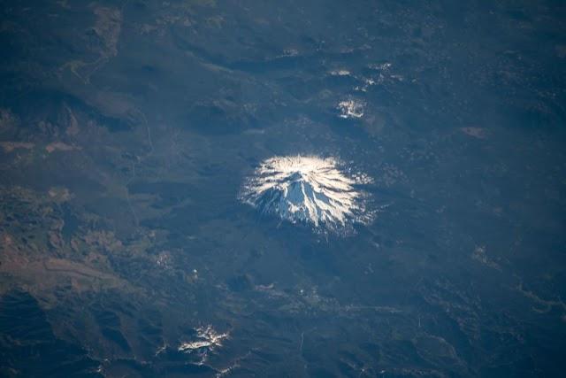 Ảnh chụp từ độ cao 400 km mà bạn chưa từng nhìn thấy