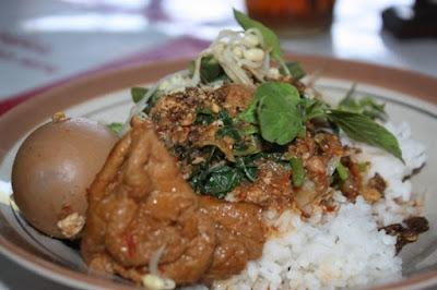 Nasi Tumpang Lethok