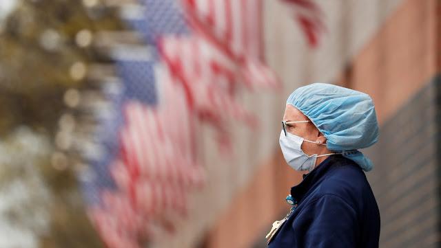 El Senado de EE.UU. aprueba un proyecto de ley para conceder una ayuda de casi 500.000 millones de dólares a pequeñas empresas y hospitales