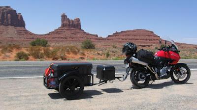 bike-pulling-trailer