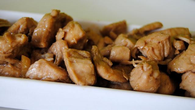 Pollo con Jengibre y Anís Estrellado (Jī shēng jiāng, bājiǎo)