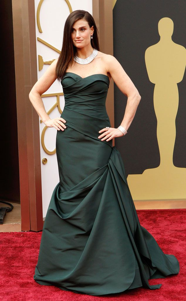 Idina Menzel in a dark green Vera Wang dress at the Oscars 2014