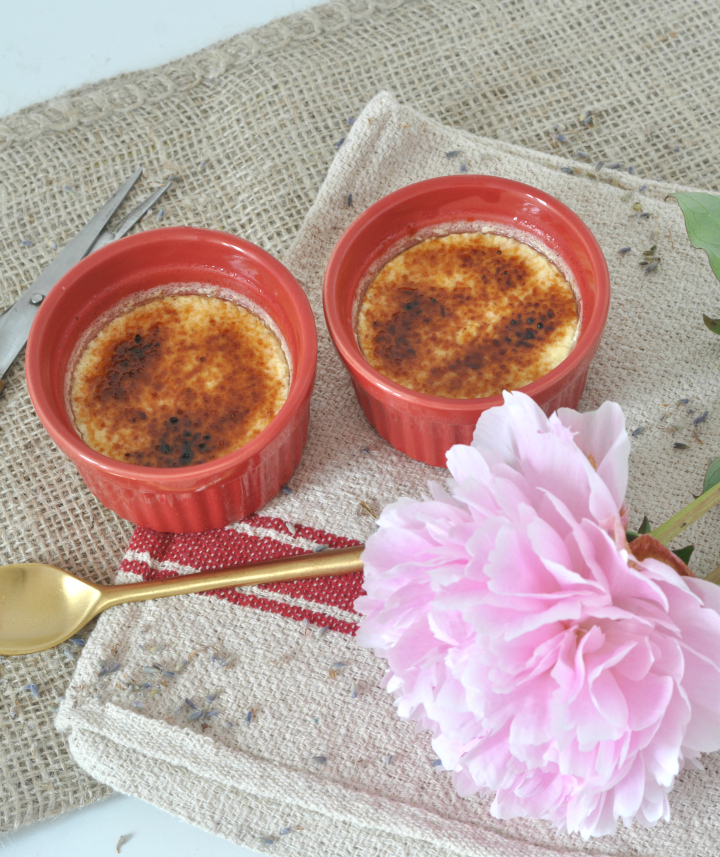 Lemony Crème brûlée, the taste of summer in an easy-peasy dessert