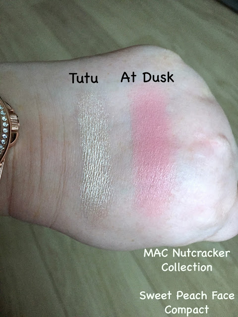 MAC Nutcracker Sweet Peach Face Compact swatches