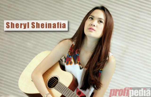 Profil Sheryl Sheinafia Artis Multi Talent Yang Berparas Manis