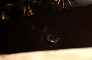 La lucertola con lo scorpione (NE, lato ovest)