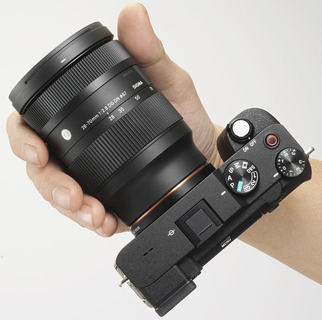 Sigma 28-70mm f/2.8 DG DN Contemporary с камерой Sony