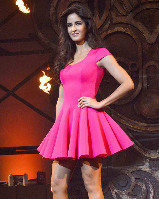 Katrina Kaif legs, Katrina Kaif in pink short dress