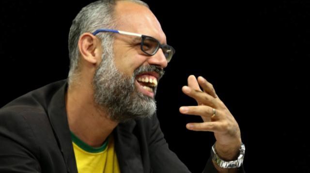 Blogueiro bolsonarista alega ter fugido do Brasil por temor de uma conspiração