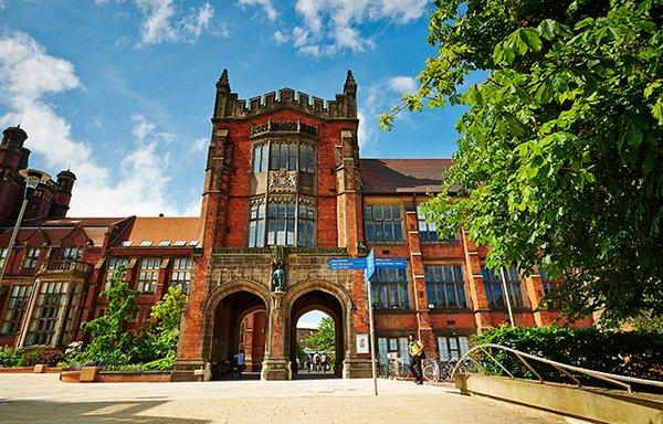 منحة تقدر ب 7500 جنية إسترليني لدراسة الماجستير فى مدرسة اللغات الحديثة فى جامعة Newcastle فى المملكة المتحدة 2020
