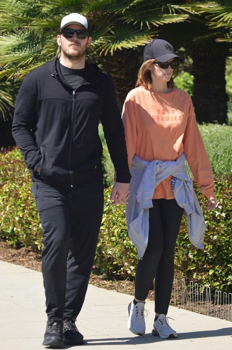 Katherine Schwarzenegger  and Chris Pratt Hold Hands Out in Santa Monica 18 Mar -2020