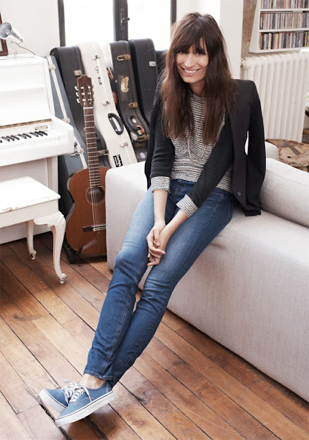 Caroline de Maigret in jeans