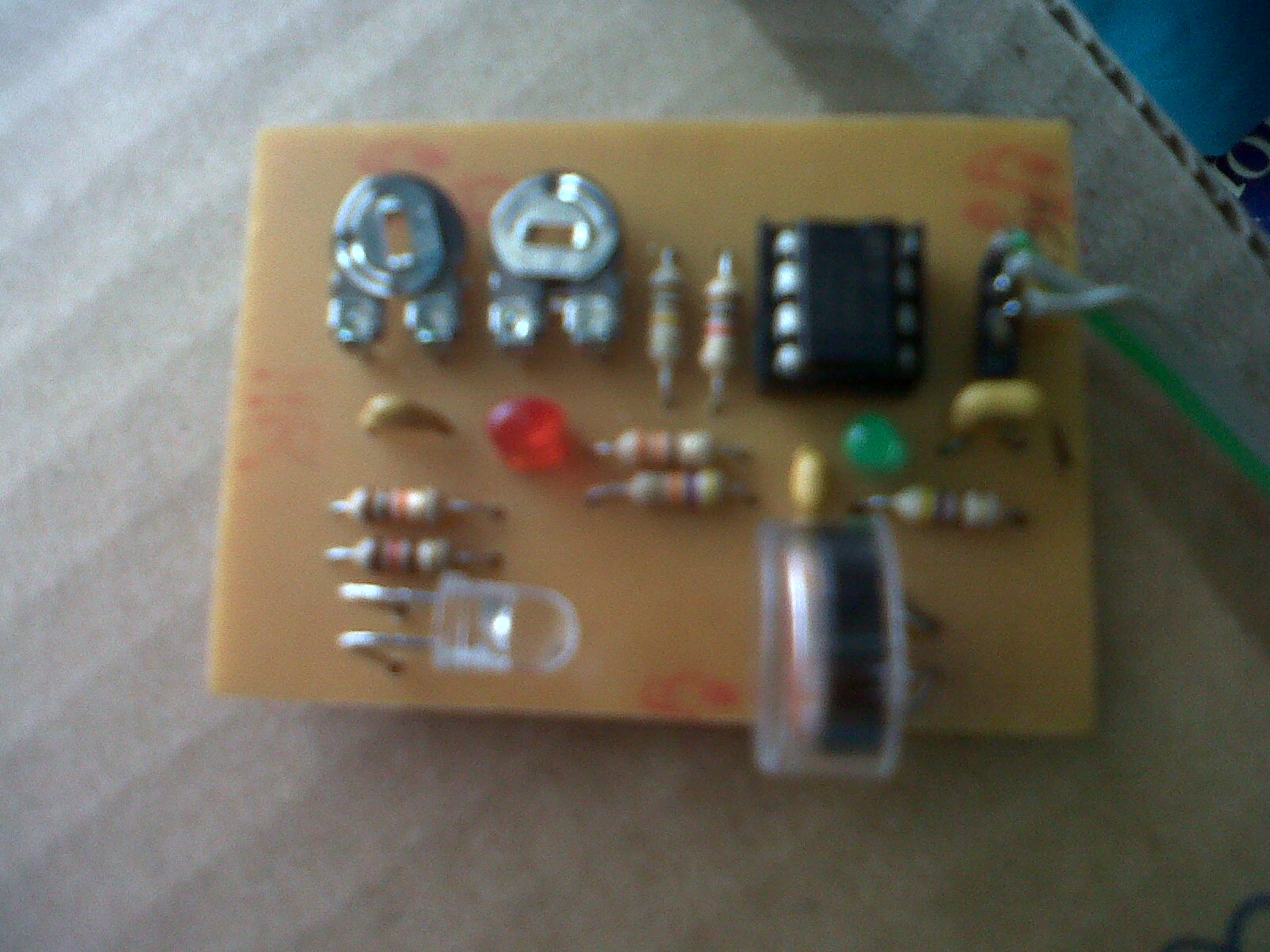 Heartbeat Monitor Circuit With Led And Photocell Youspice