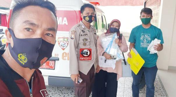 Personil Polsek Galsel Lakukan Pengawalan dan Amankan pengiriman Vaksin ke UPT Puskesmas di wilayah Galesong
