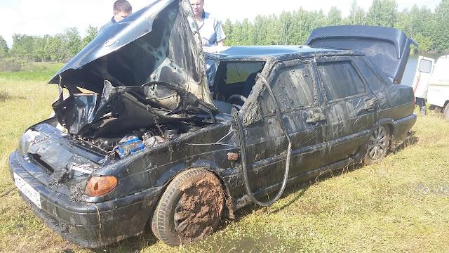 В Башкирии из озера вытащили автомобиль с утонувшей семьей