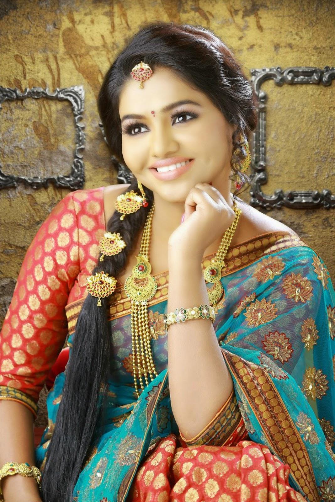 Latest 2015 Telugu Actress Harini Saree Images | Harini