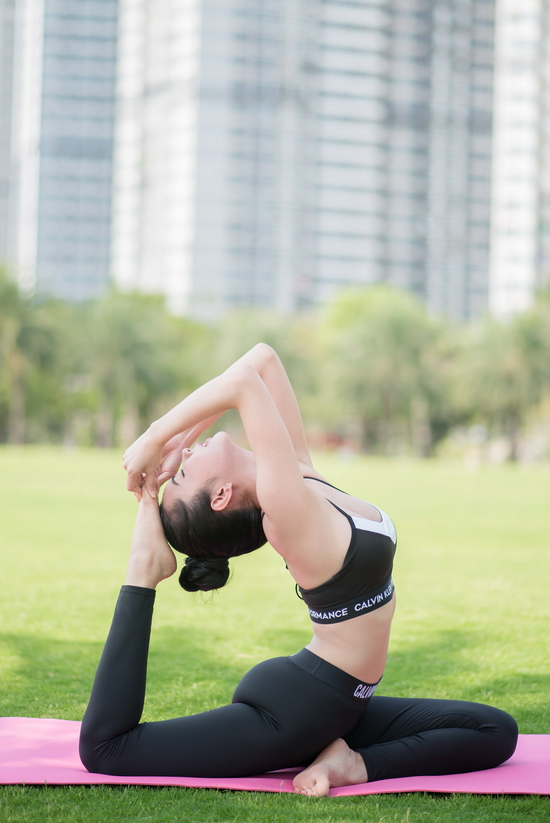Hoa hậu Huỳnh Vy chia sẻ bí quyết luyện tập yoga để có ngoại hình 'vạn người mê'