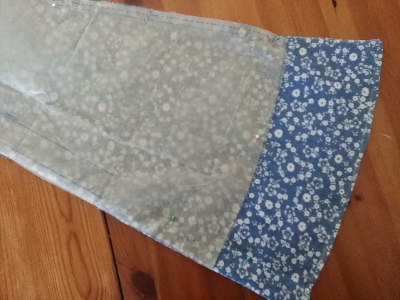 Half Metre Quilting Fabric  ~ Long Live Vintage ~ Curly Motif ~ Grey