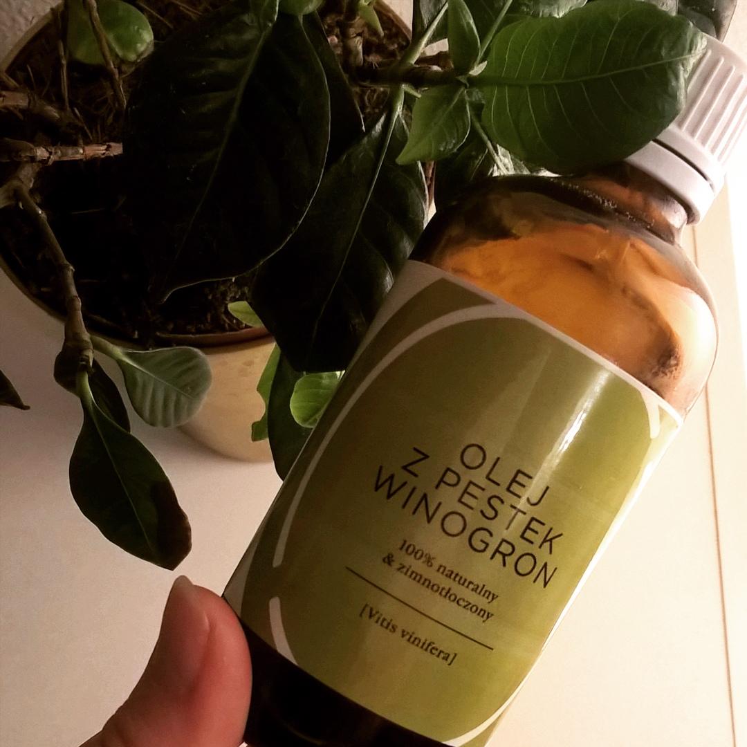 Olej z pestek winogron do olejowania włosów