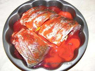 Reteta peste in sos tomat la cuptor retete culinare,