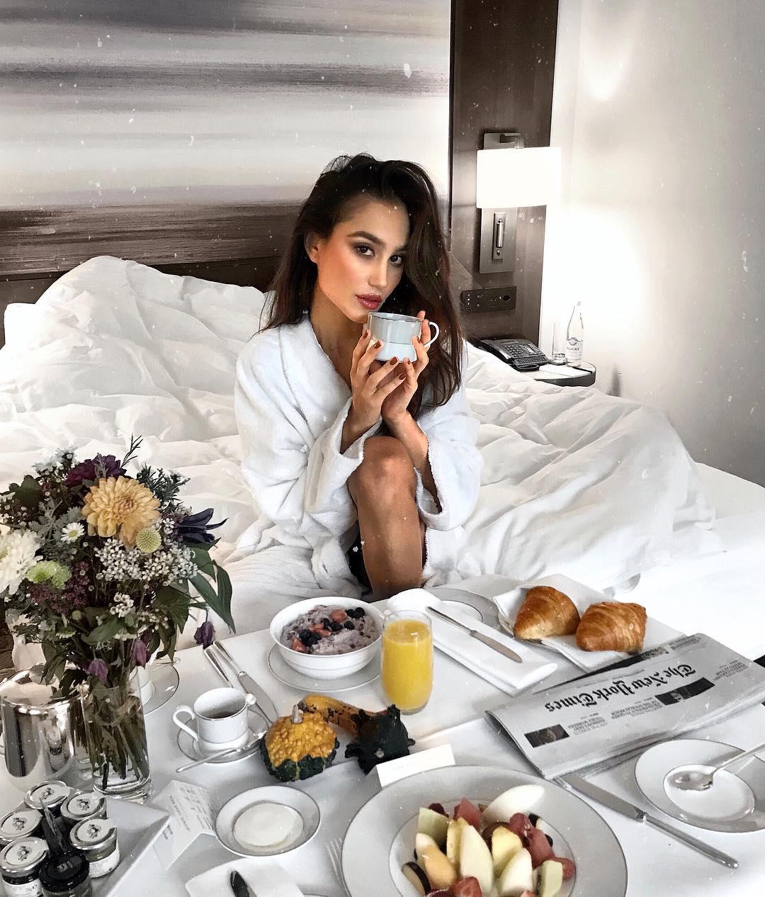foto tumblr de café da manhã na cama