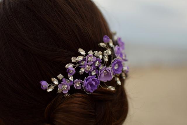 Fioletowa gałązka ślubna.