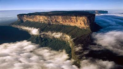 Gunung datar didunia, gunung meja di dunia, Puncak Mount Roraima Venezuela, The Lost World