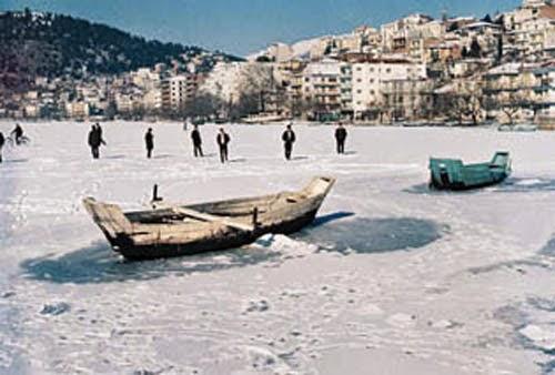 Σε ενάμιση μήνα κυκλοφορεί το λεύκωμα για την Καστοριά (1949-1971) του Πάνου Εφόπουλου