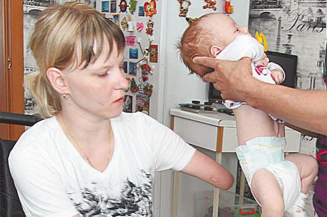 Галкино счастье. Девушка без рук и ног родила сына и нашла свою мать
