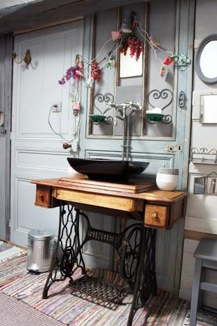 ma maison au naturel que faire d 39 une ancienne machine coudre. Black Bedroom Furniture Sets. Home Design Ideas