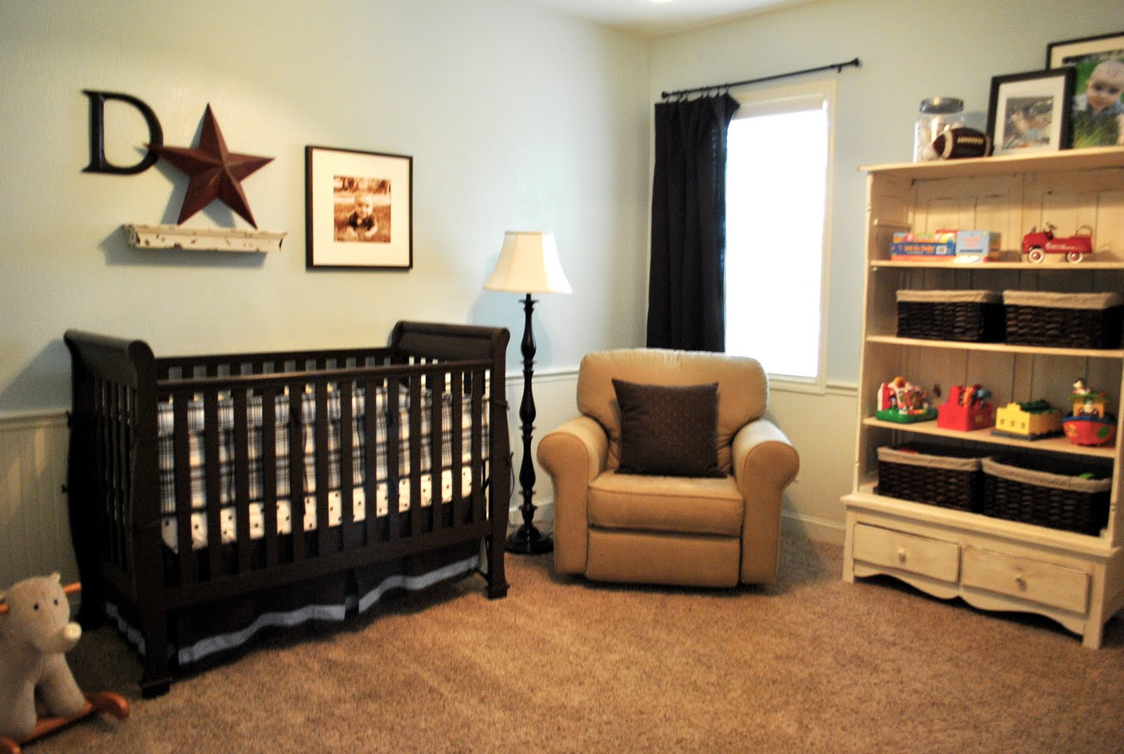 That village house baby boy 39 s nursery for Deco de interiores