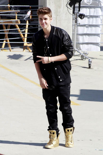 Justin Bieberがよくはいてるスニーカーsupra スニーカーの紹介 Gossip Gadget