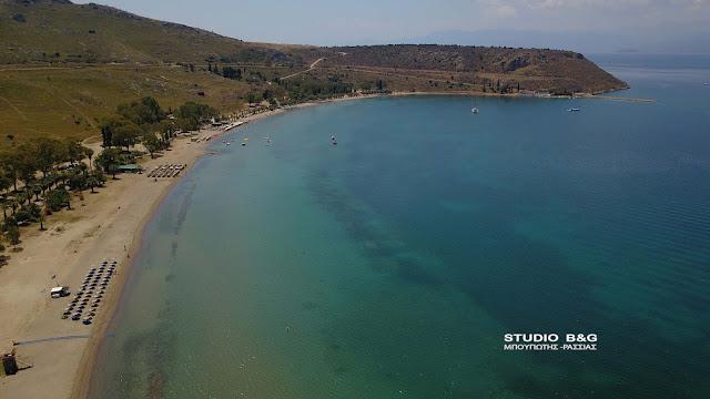 Καραθώνα: Η πιο δημοφιλής παραλία του Ναυπλίου (βίντεο drone)