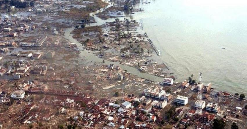 Resultado de imagen para Un tsunami en Indonesia dejó al menos 43 muertos y 600 heridos